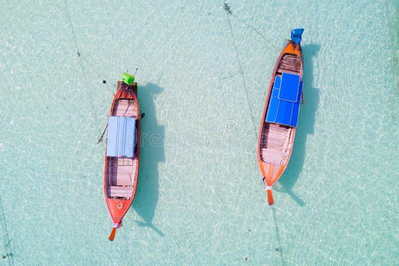 Vista aerea sopra il gruppo di crogioli di coda lunga, vista superiore dal fuco, K immagini stock libere da diritti