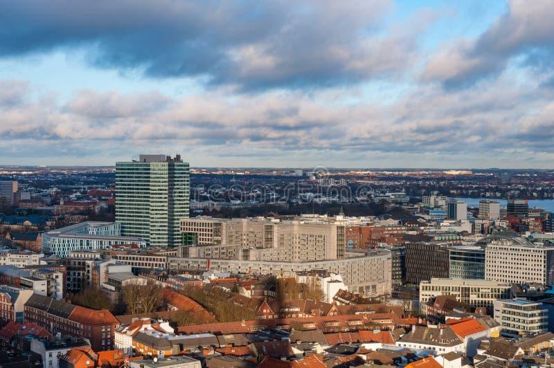 Vista aerea sopra la città di Amburgo in Germania fotografie stock