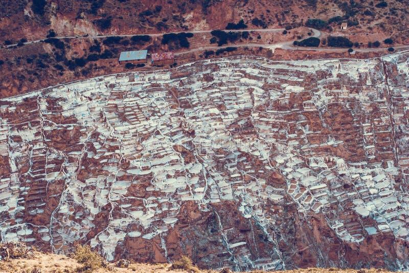 Vista aerea sulle miniere di sale in valle di Maras vicino al Cusco fotografia stock libera da diritti