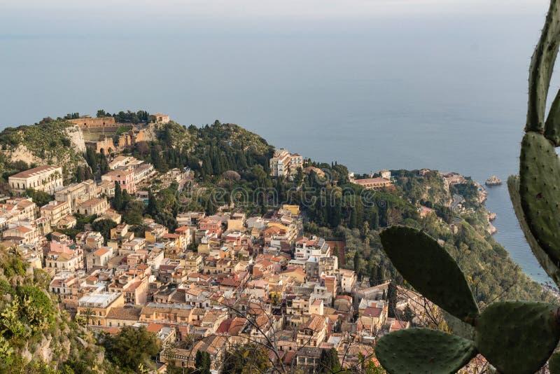Vista aereal di Taormina fotografie stock