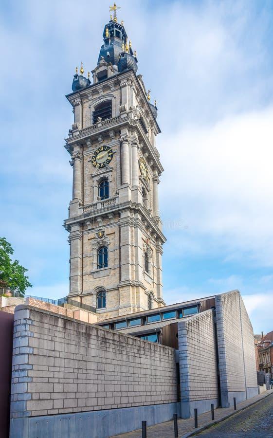 Vista al campanile di Mons - il Belgio fotografia stock libera da diritti