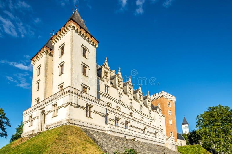 Vista al castello di Pau - la Francia fotografia stock libera da diritti