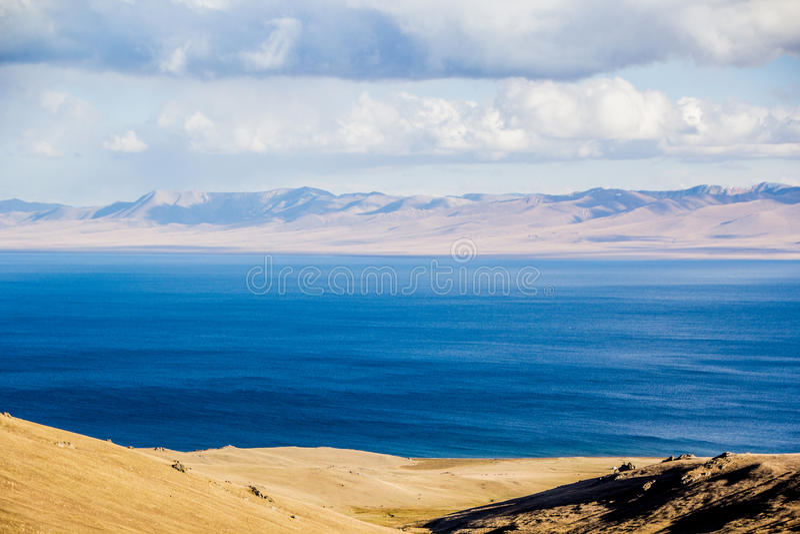 Vista al lago Kol de la canción foto de archivo libre de regalías