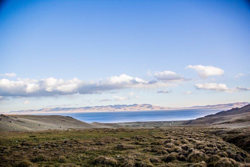 Vista al lago Kol de la canción fotos de archivo libres de regalías