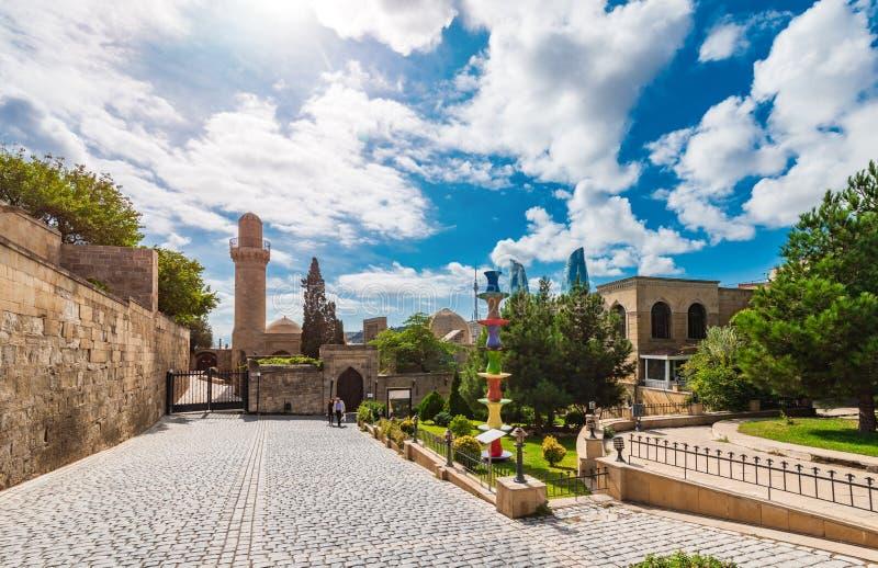Vista al palacio de Shirvanshahs fotografía de archivo