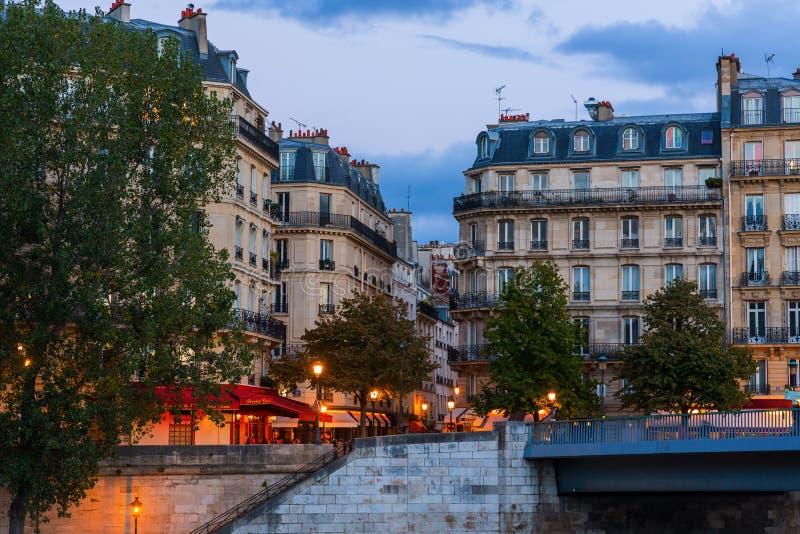 Vista al Saint Louis de Ile en París, Francia fotografía de archivo libre de regalías