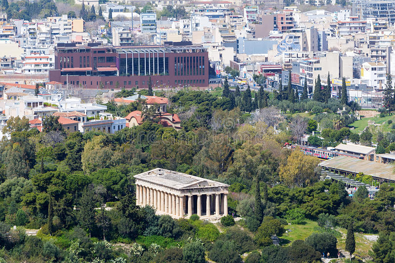 Vista al templo de Hephaestus de la acrópolis, Atenas, Grecia fotos de archivo libres de regalías