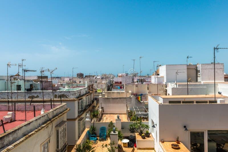 Vista al tetto di Cadice ed ai balconi, Spagna fotografie stock libere da diritti