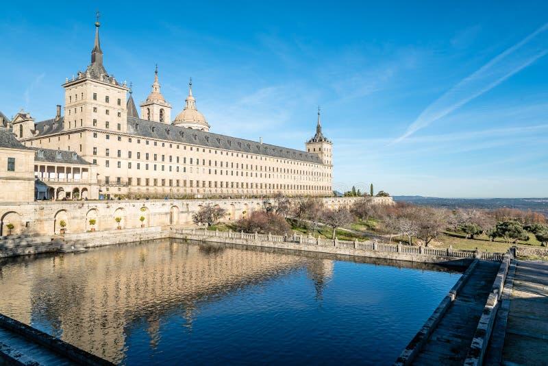 Vista all'aperto del monastero del EL Escorial immagine stock libera da diritti