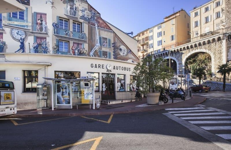 Vista all'autostazione centrale di Cannes, Francia fotografia stock