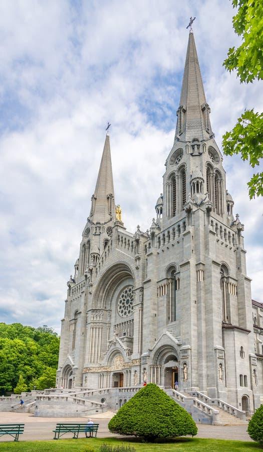 Vista alla basilica di Sainte Anne de Beaupre nel Canada immagine stock libera da diritti