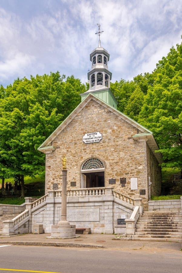 Vista alla basilica vicina commemorativa Sainte Anne de Beaupre della cappella nel Canada fotografia stock libera da diritti