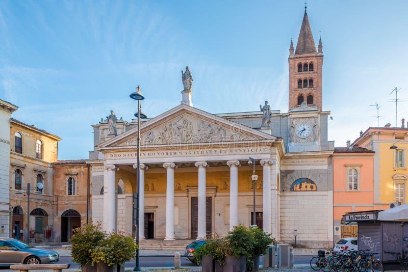 Vista alla chiesa del san Agata nelle vie di Cremona in Italia fotografia stock libera da diritti