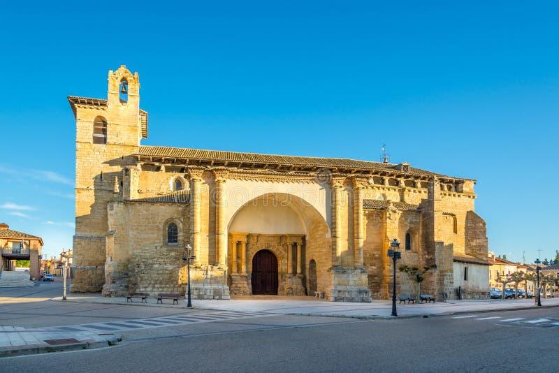 Vista alla chiesa di San Pedro Fromista - in Spagna fotografia stock libera da diritti