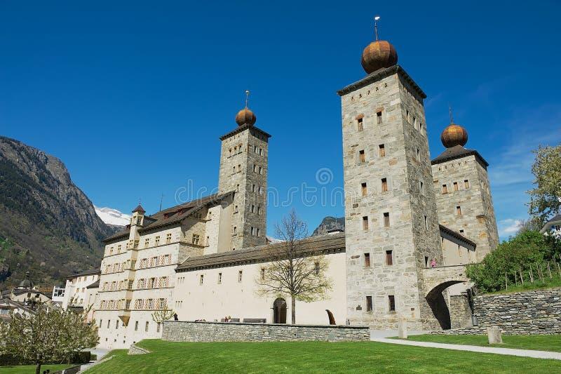 Vista alla costruzione in Brig (Brig-Glis), Svizzera del palazzo di Stockalper immagine stock