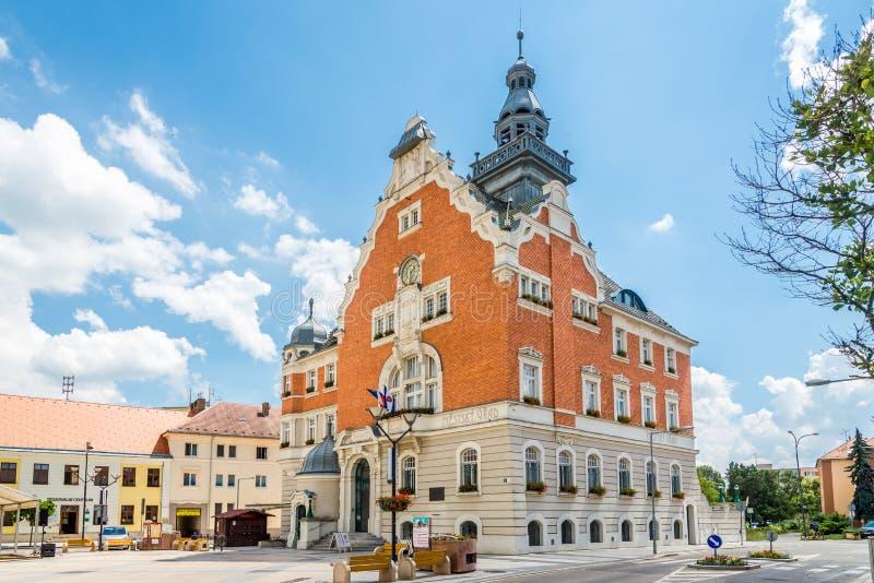 Vista alla costruzione di municipio in Hodonin - repubblica Ceca fotografia stock libera da diritti