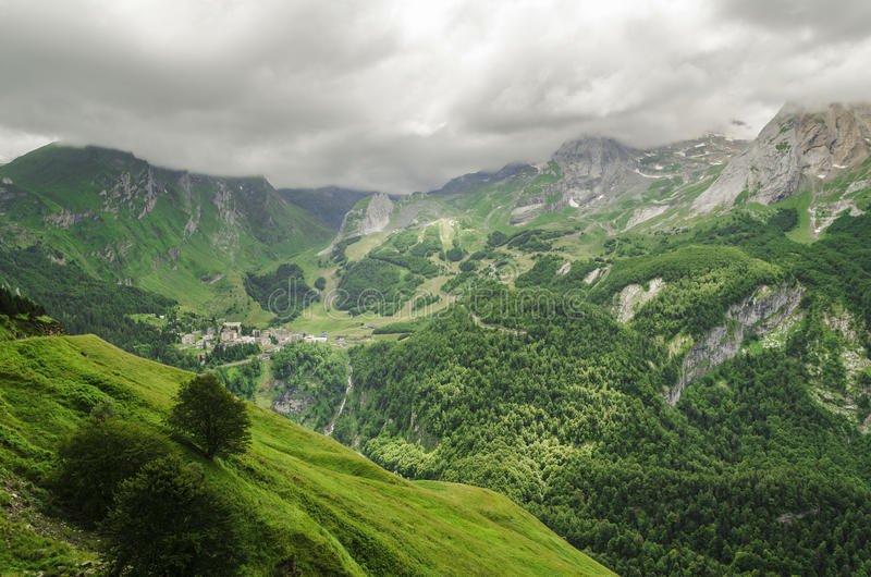 Vista alle montagne in Spagna immagini stock