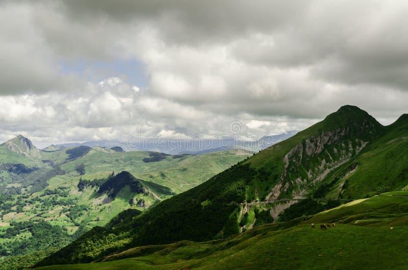 Vista alle montagne in Spagna fotografie stock