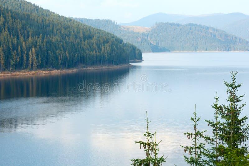 Vista alpina di estate di Vidra del lago immagini stock
