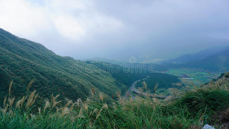 Vista alta do parque yangmingshan da nação imagem de stock