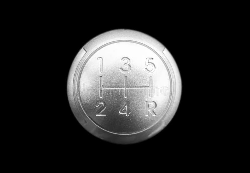 Vista alta vicina di uno spostamento manuale del cambio isolato su fondo nero Scatola ingranaggi manuale Dettagli dell'interno de fotografia stock libera da diritti