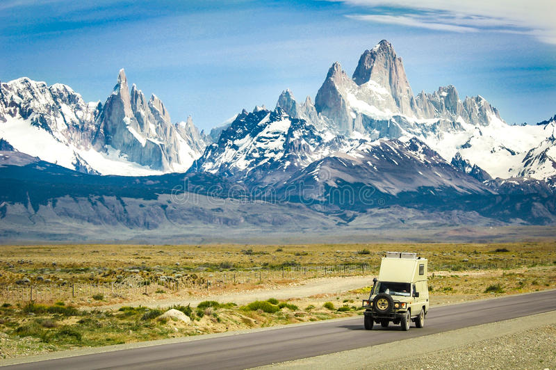 Vista ampia del parco nazionale Los Glaciares in Patag del sud immagini stock libere da diritti