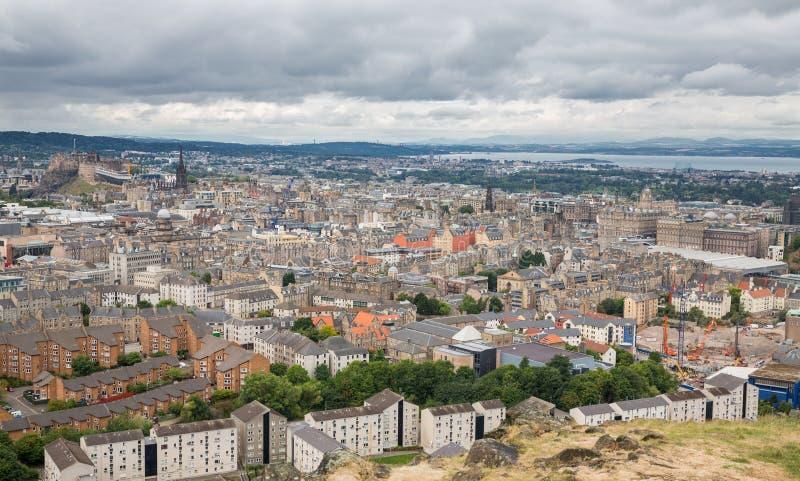 Vista amplia del horizonte de Edimburgo foto de archivo