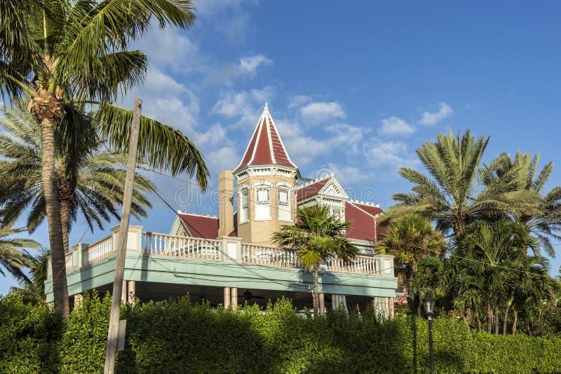 Vista ao boutique hotel beira-mar histórico de Key West imagens de stock