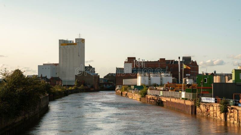 Vista ao longo do rio Hull imagem de stock royalty free