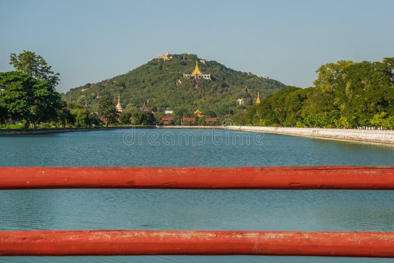 Vista ao monte de Mandalay fotos de stock royalty free
