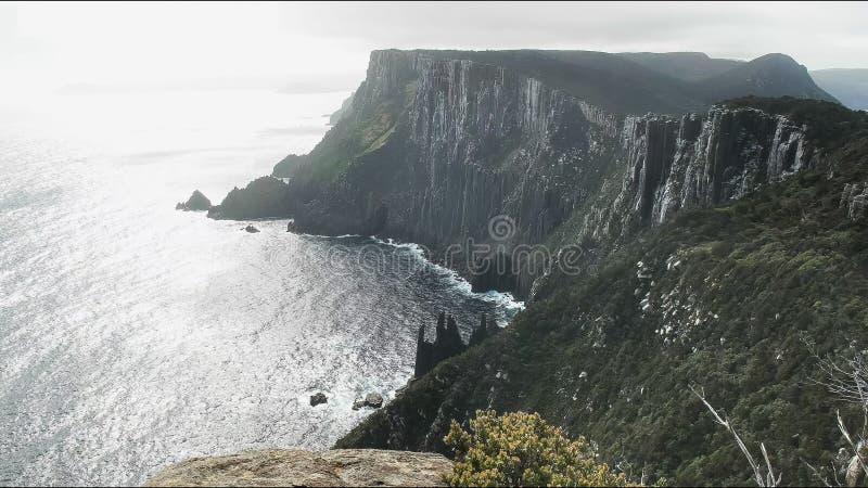 A vista ao oeste durante a tarde na coluna do cabo, Tasmânia imagens de stock