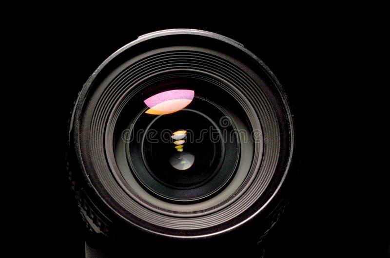Vista ascendente cercana de una lente de DSLR imagenes de archivo