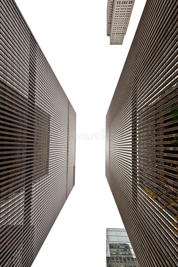 Vista ascendente de las torres que duplican de Midtown Manhattan fotos de archivo libres de regalías