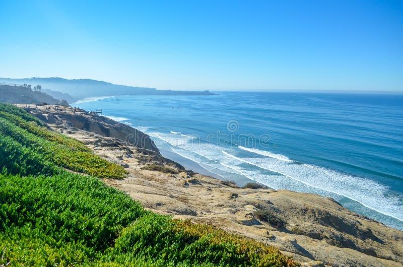 Vista asombrosa de la Costa del Pacífico cerca de San Diego, California fotos de archivo