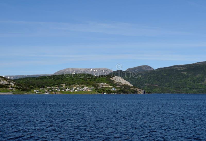 Vista attraverso la baia di Bonne verso Norris Point immagini stock