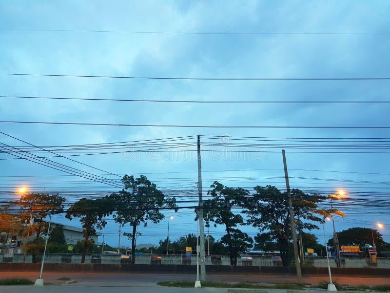 Vista azul do céu antes do amanhecer imagens de stock