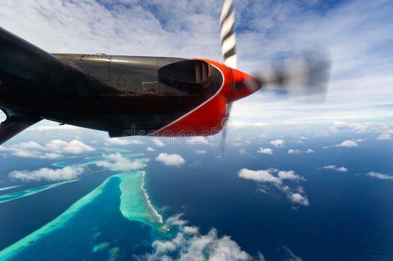 Vista Bird's-eye de atolls de maldives fotos de stock royalty free