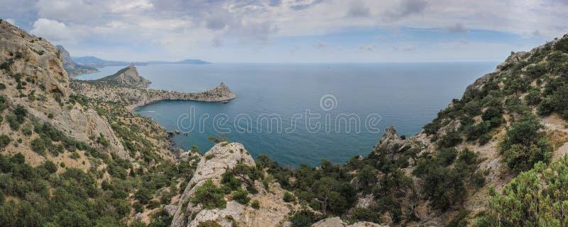 Vista bonita ao longo do seacoast Novyi Svet, Crimeia foto de stock royalty free