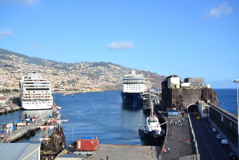Vista bonita da cidade de funchal, Portugal fotos de stock royalty free