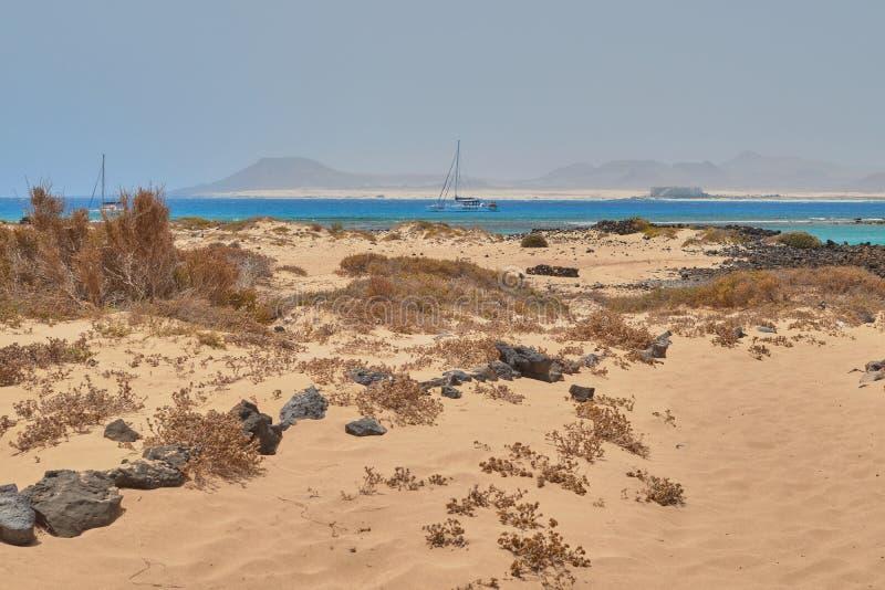 Vista bonita da praia em Isla de Lobos, Fuerteventura, Ilhas Canárias, Espanha fotos de stock royalty free