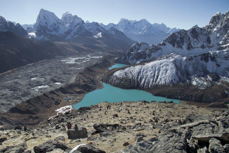 Vista bonita de Gokyo Ri, região de Everest, Nepal fotografia de stock
