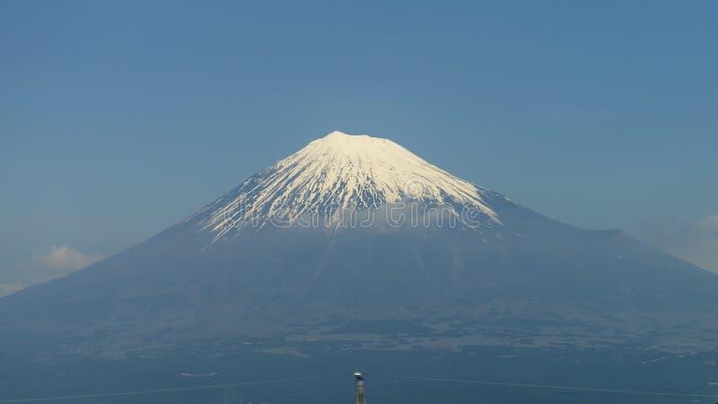 A vista bonita de Monte Fuji cobriu na neve, Japão fotos de stock