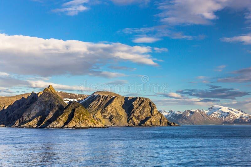 Vista bonita de Noruega do norte perto de Alta fotografia de stock