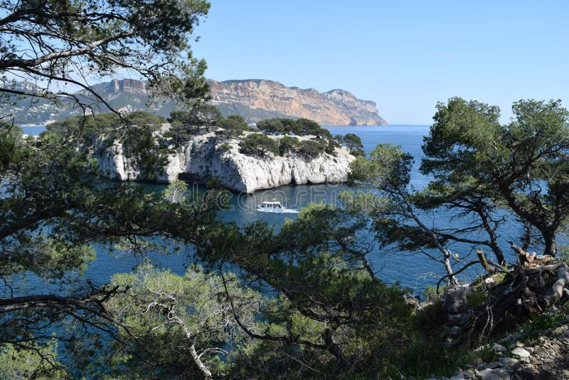 vista bonita do mar e das rochas foto de stock royalty free