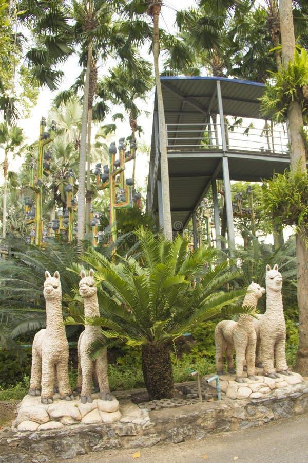 Vista bonita do parque tropical de Nong Nooch, em Pattaya, Tailândia fotografia de stock