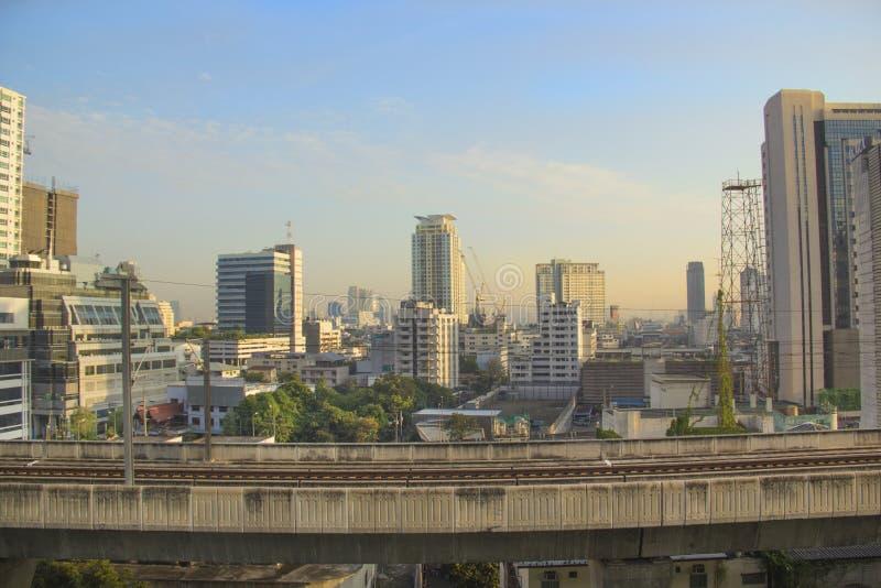 Vista bonita dos arranha-céus de Banguecoque, Tailândia foto de stock