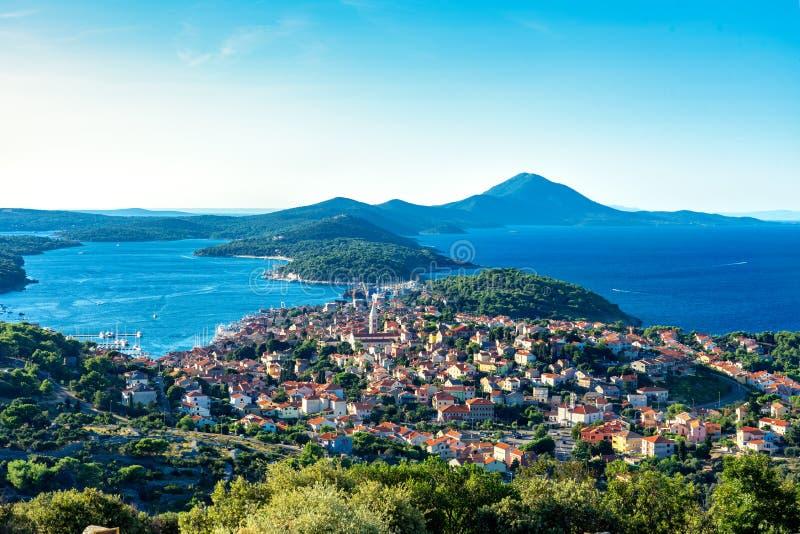 Vista cênica das ilhas do losinj croata no dia do golfo kvarner fotos de stock