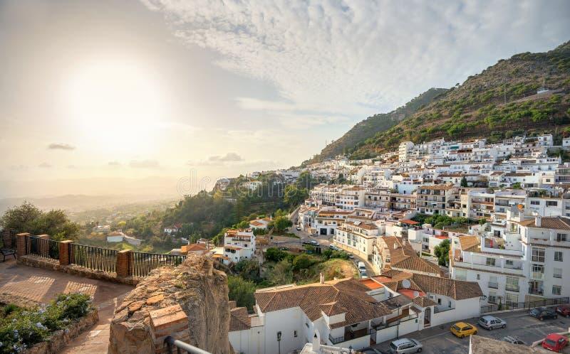 Vista cênico da vila de Mijas no por do sol Costa del Sol, a Andaluzia fotografia de stock royalty free