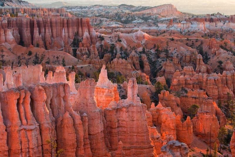 Vista cênico de azarentos do arenito vermelho em Bryce Canyon National Pa fotos de stock royalty free
