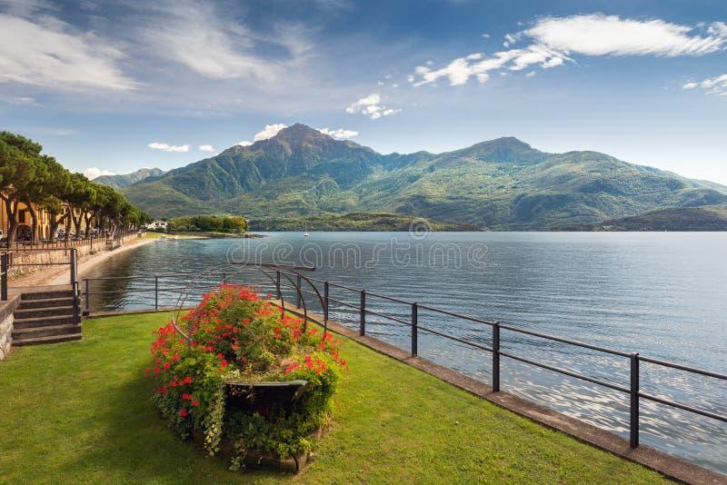 Vista cênico de Dongo, lago Como imagens de stock